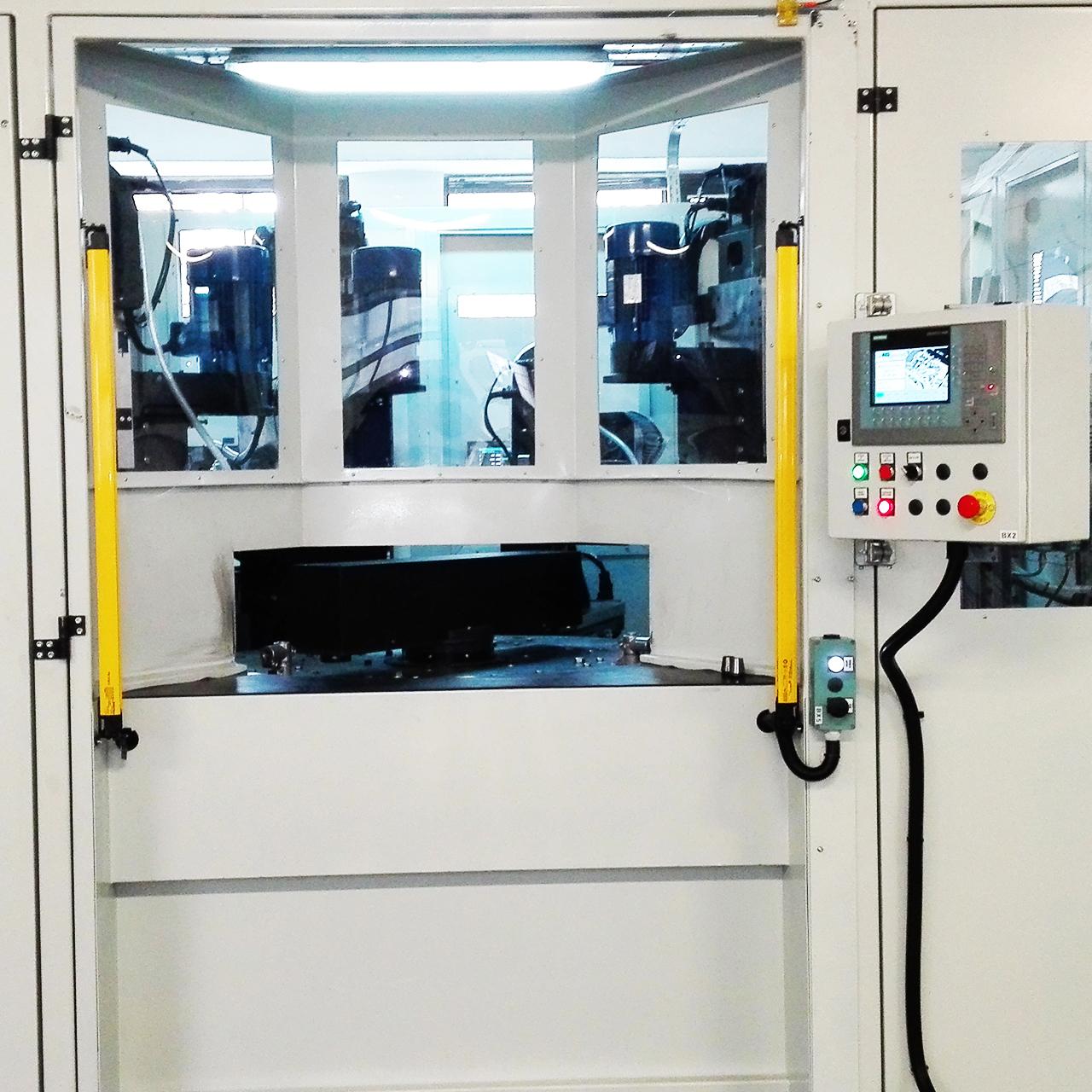 Sistem automat de frezare gaurire si alezare.
